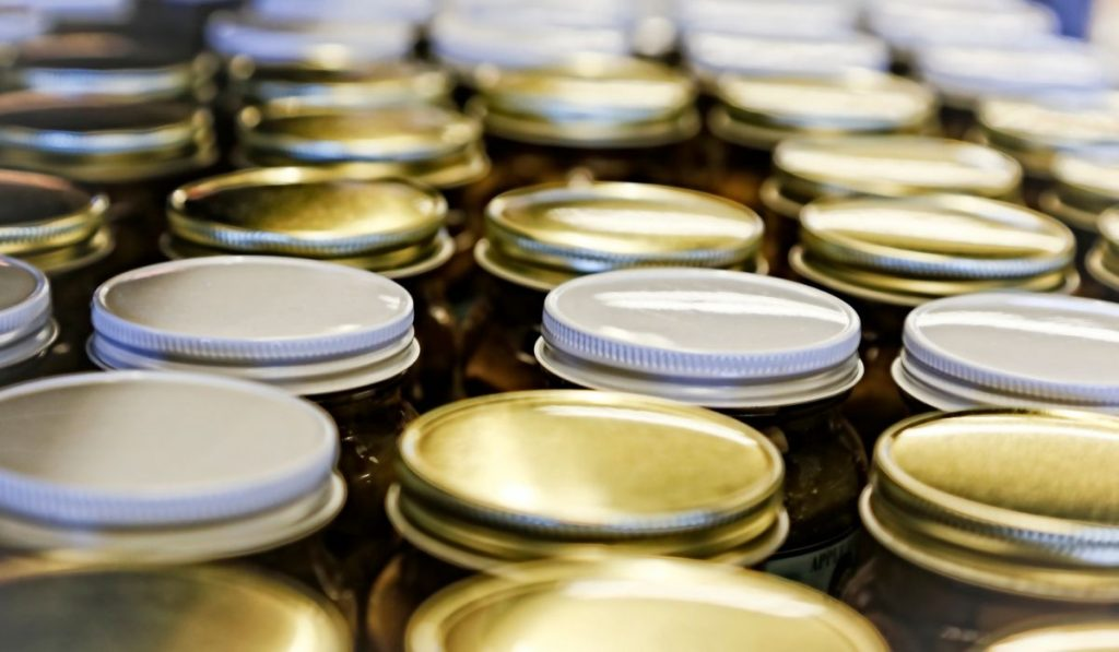 canning jars with lids